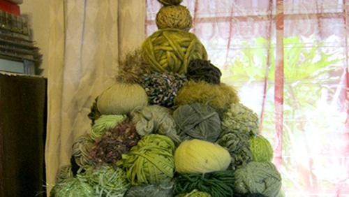 Quelli che parlano agli alberi alberi di natale e decorazioni fai da te ecologici - Decorazioni di natale con materiale riciclato ...