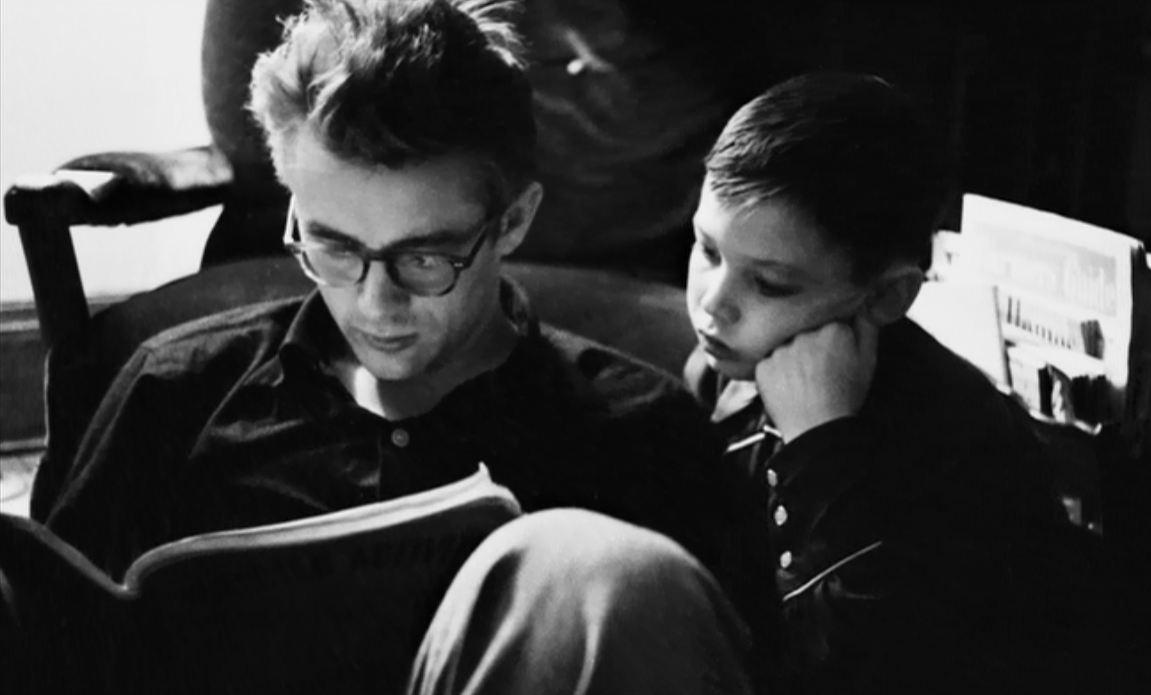 The radical kitsch libri - I libri sono specchi riflettono cio che abbiamo dentro ...