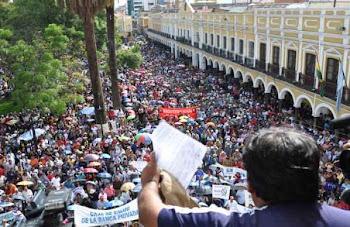 impresionante foto de OPINION plaza principal escenario del Cabildo COD