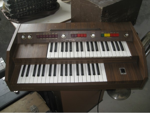 Infrequent sound technology antonio baleani 237 for Classic house organ sound
