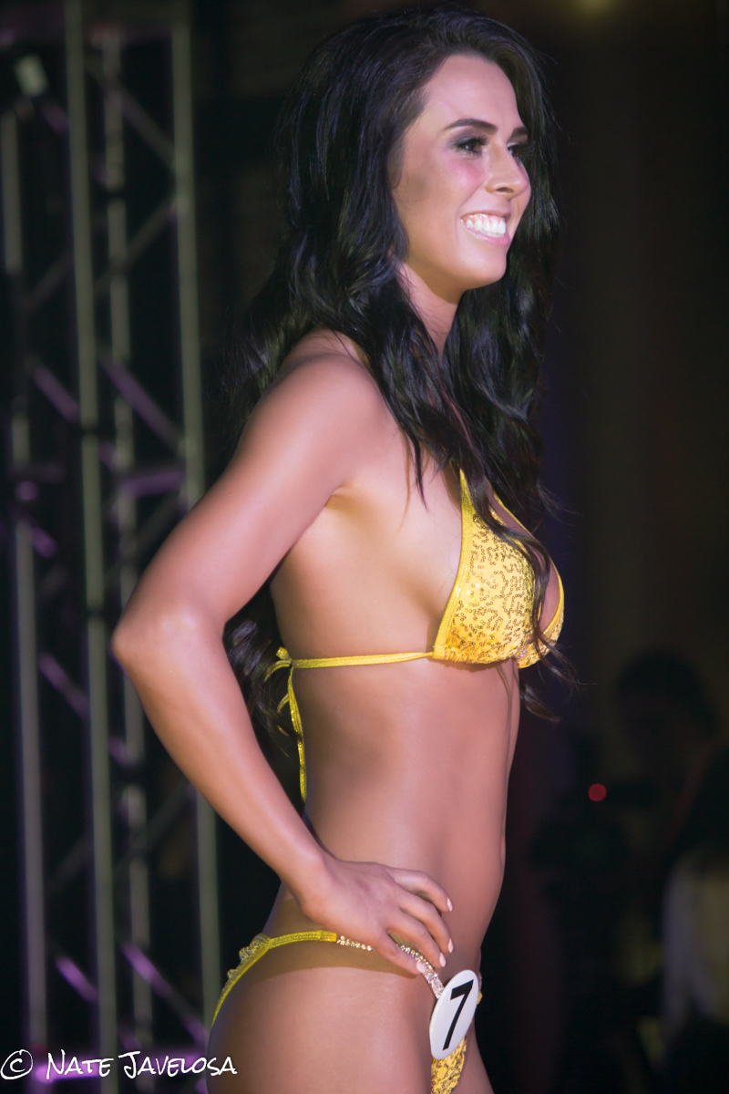 Hooters Swimsuit Pageant 2013
