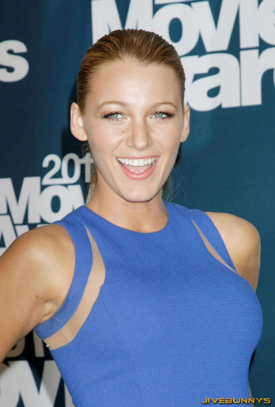 http://3.bp.blogspot.com/-TaG34Lxhtx0/Te4r_4O_5tI/AAAAAAACNYA/lAXMRG4sdTk/s1600/blake-lively-actress-celebrity-1021.jpg