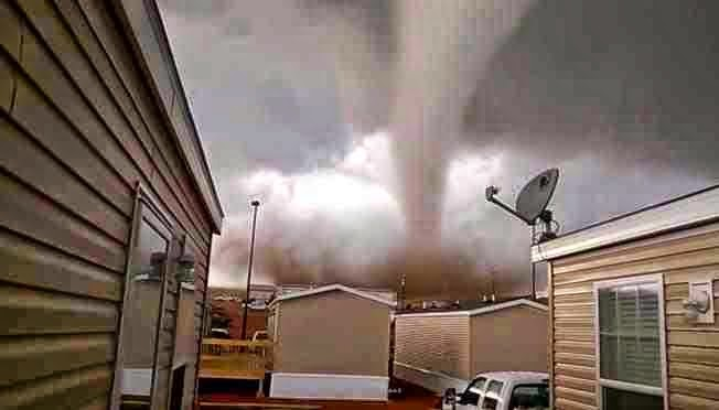 http://sciencythoughts.blogspot.co.uk/2014/05/six-injured-as-tornado-hits-north.html
