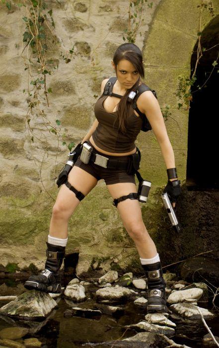 lara croft cosplay by illyne
