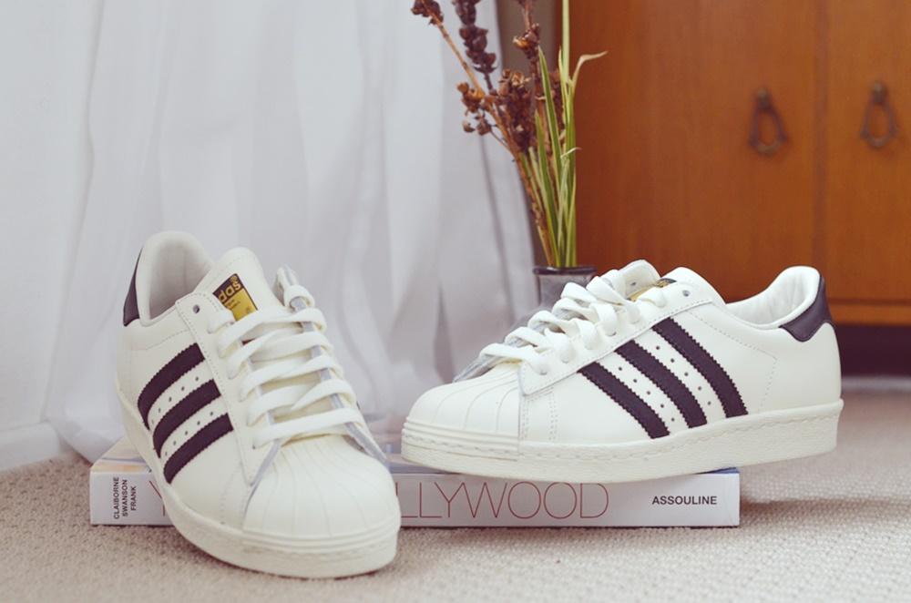 Adidas Superstar Dunkelrote Streifen