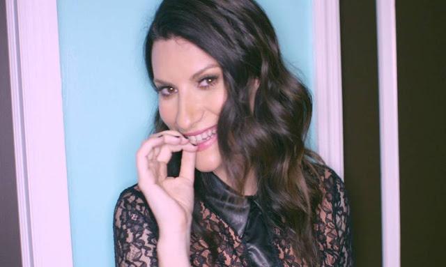 Laura Pausini - Nella porta accanto