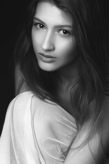 A modelo Claudia Portal que atualmente está em preparação para ingressar no circuito internacional acaba de fotografar com Carlos Sillero (CS fotografia). - _MG_7304x