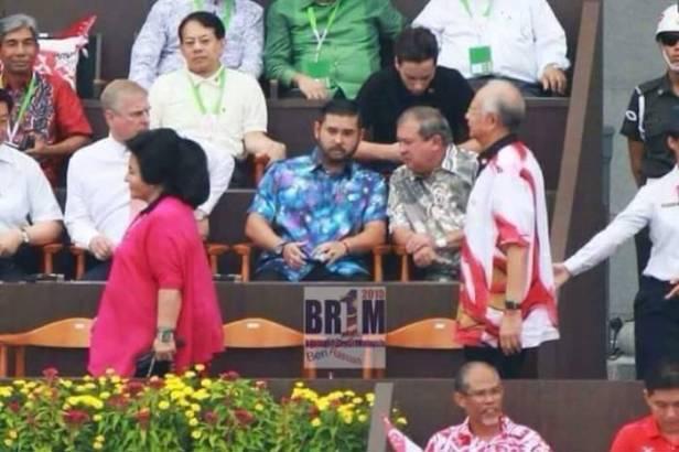 Rosmah Jalan 'Mendahului' Najib