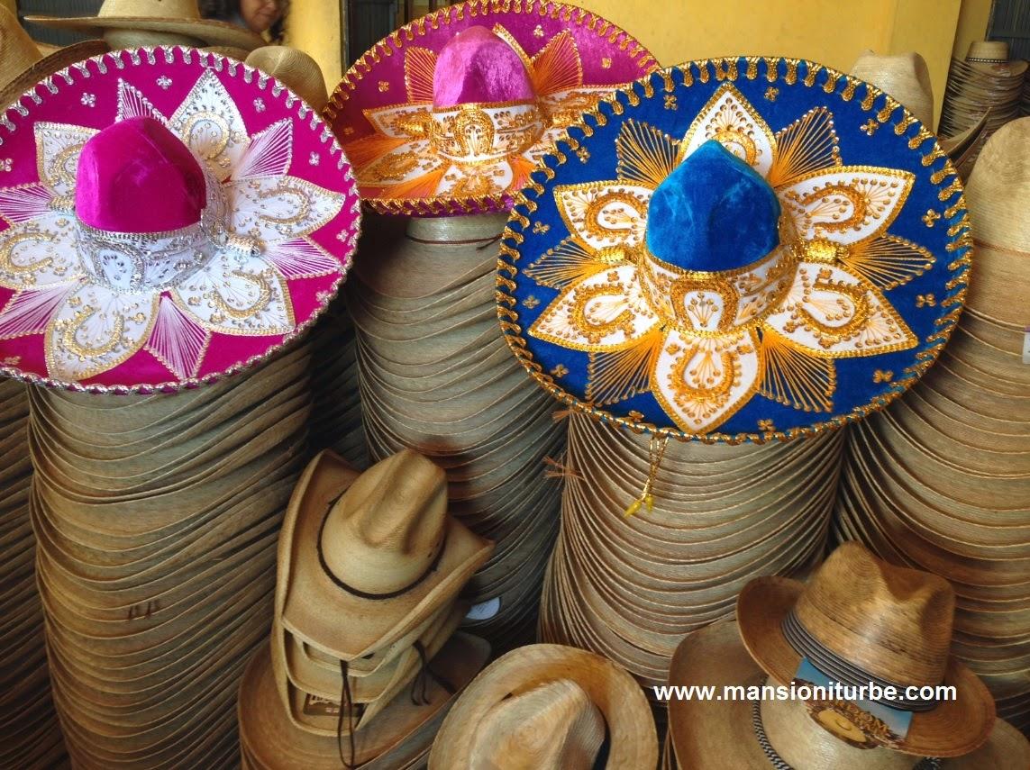 Sombreros artesanales en Jarácuaro, en la Ribera del Lago de Pátzcuaro