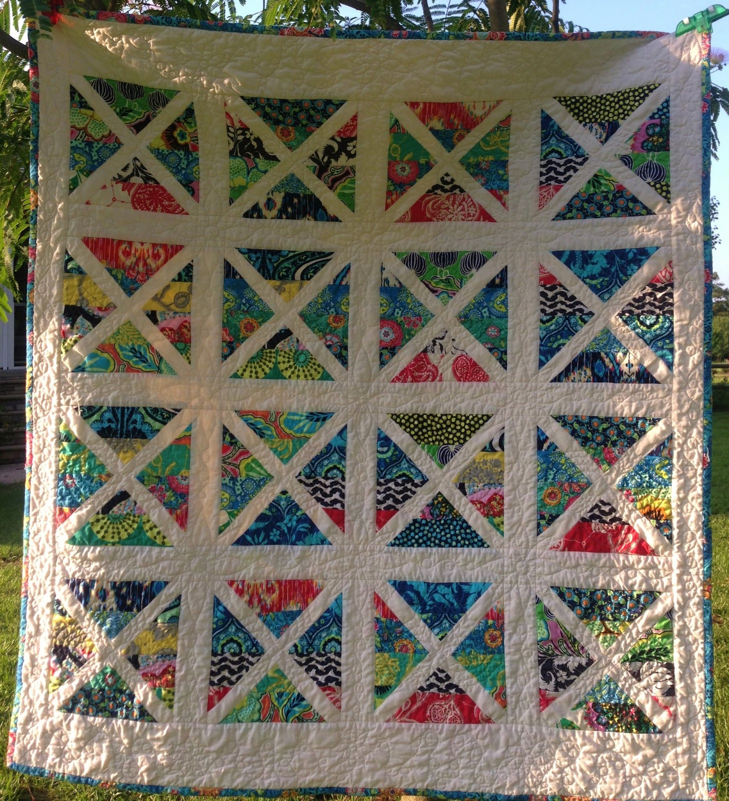 Quilty sewing pictures of finished scrappy garden trellis for Garden trellis designs quilt patterns
