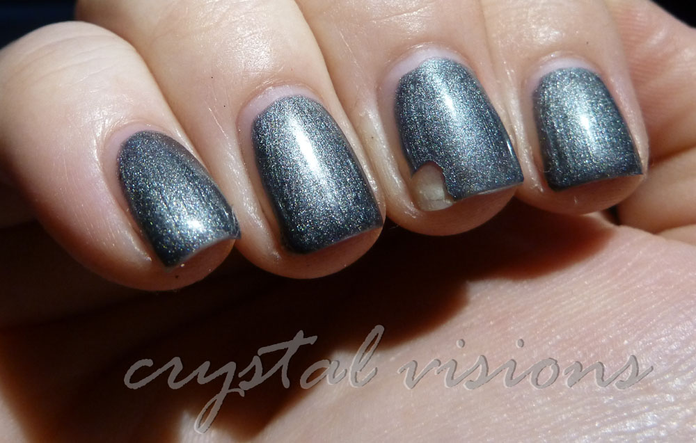 Crystal Visions: Gelish / Red Carpet Manicure review