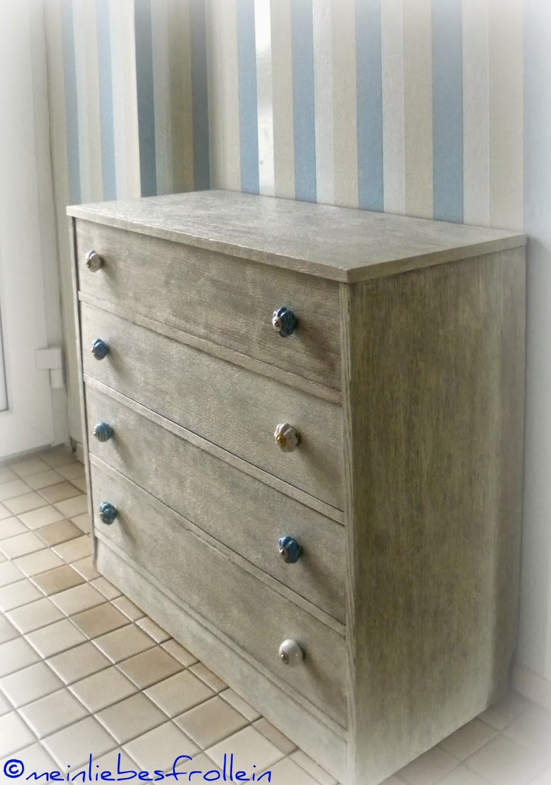 mein liebes frollein ein alter schuhschrank wird zum blickfang im flur. Black Bedroom Furniture Sets. Home Design Ideas