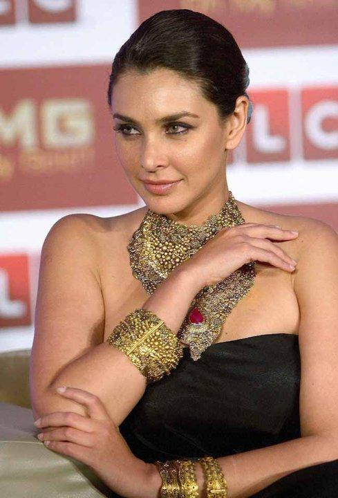 Lisa Ray at TLC Jewellery Opening Launch