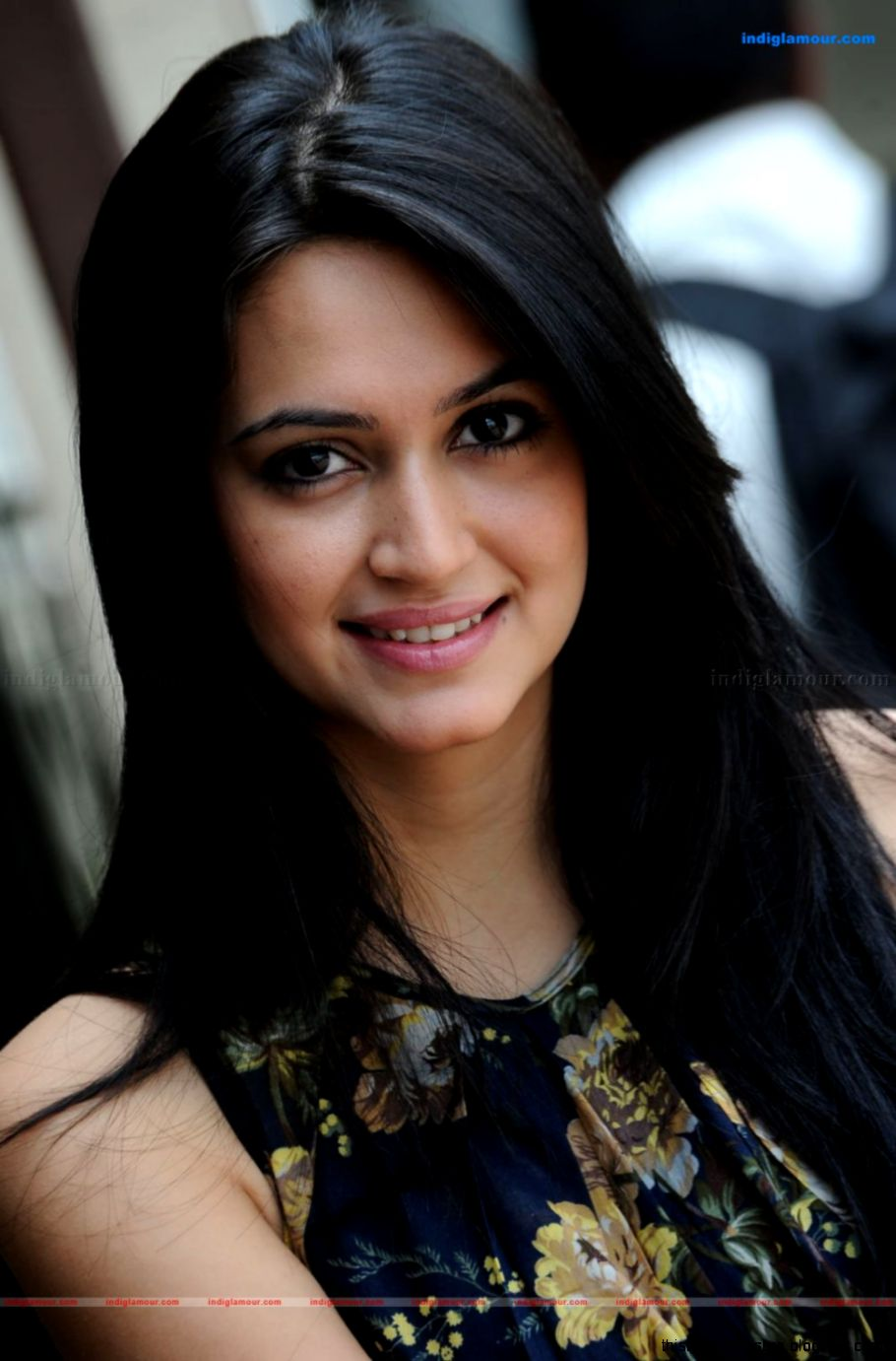 cool kriti kharbanda | this wallpapers