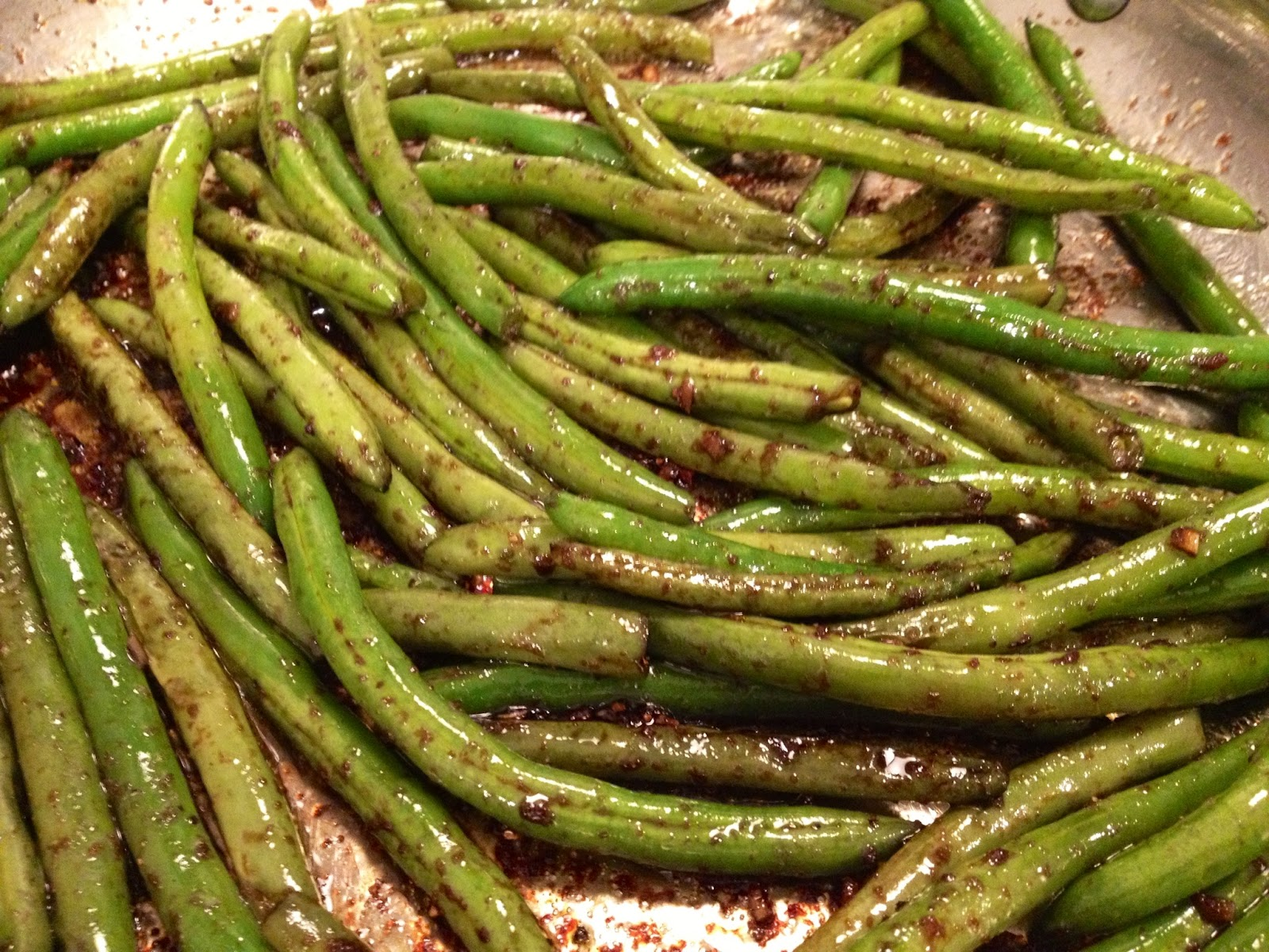 On Shea's Table: Honey Balsamic Green Beans