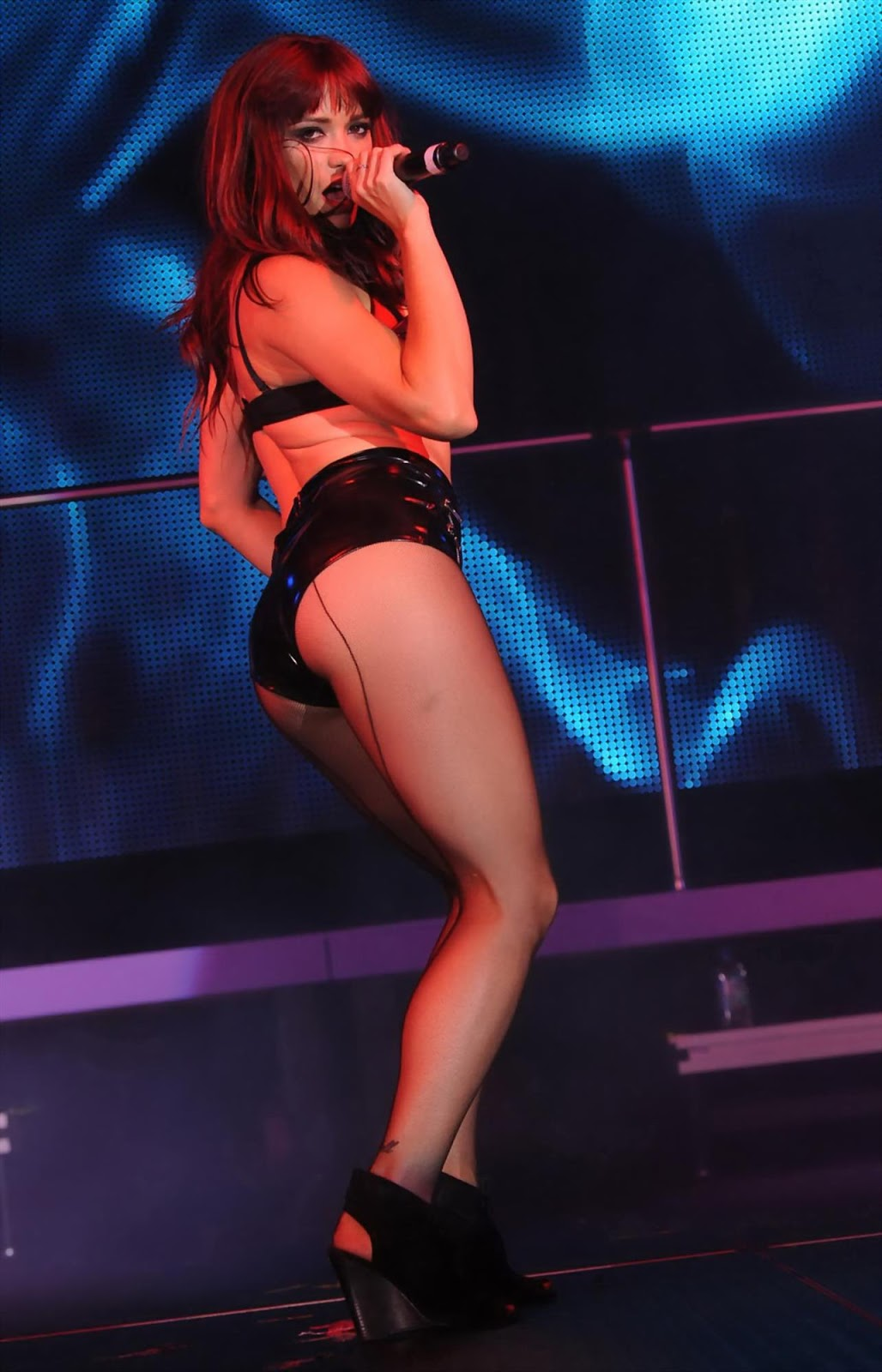 """Jessica Sutta (Pussycat Dolls) Performing Photos at """"The Knockouts Burlesque Show"""""""