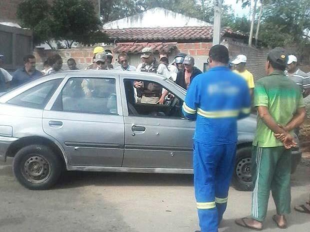 Pastor é morto enquanto esperava filho dentro do carro na cidade de Riachão do Jacuípe (Foto: Bahia na Mídia)