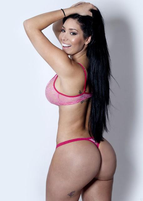 sexy carolina petkoff tetas desnuda fotos topless