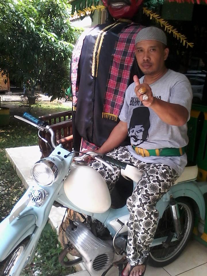 Evon212 ShaDes , Kaos Benyamin S , Iwan Fals , Palang Pintu Betawi
