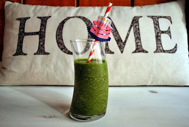 green juice: pomegranate, kale & orange juice