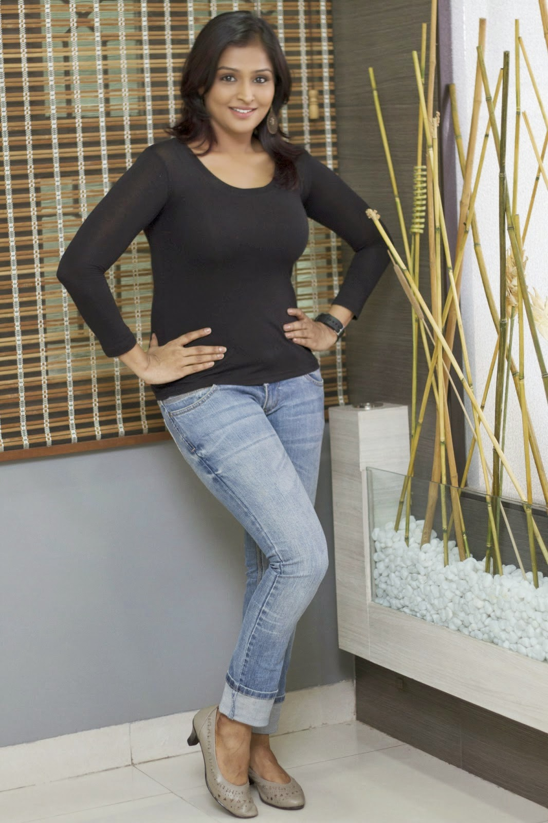Ramya Nambeesan New Hot Photos In Black Dress