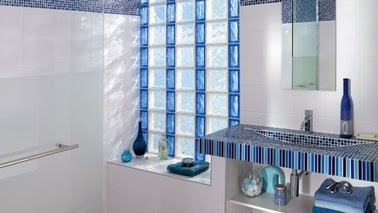 Bloques de vidrio para tener un ba o iluminado decorar decoraci n - Pared de vidrio ...