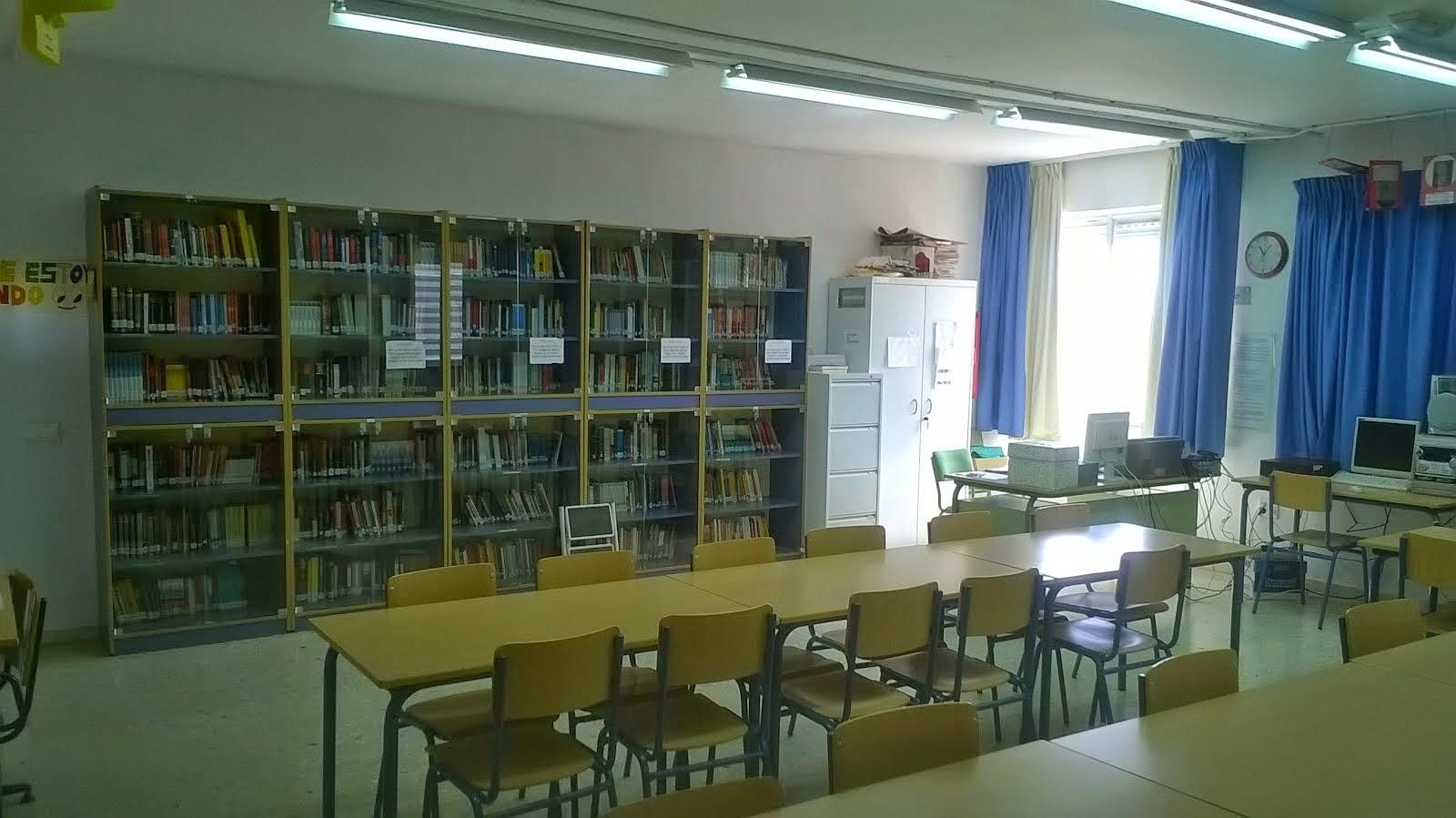Biblioteca IES Mar Azul. Interior