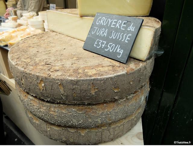 Stand de comté fromage français au Borough Market marché couvert food gastronomie Londres