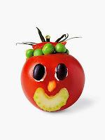 Фигурка от домат човече