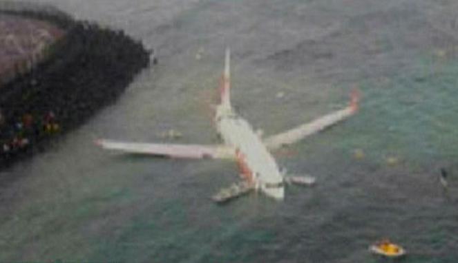 photo pesawat lion air jatuh kecelakaan di baliborder=