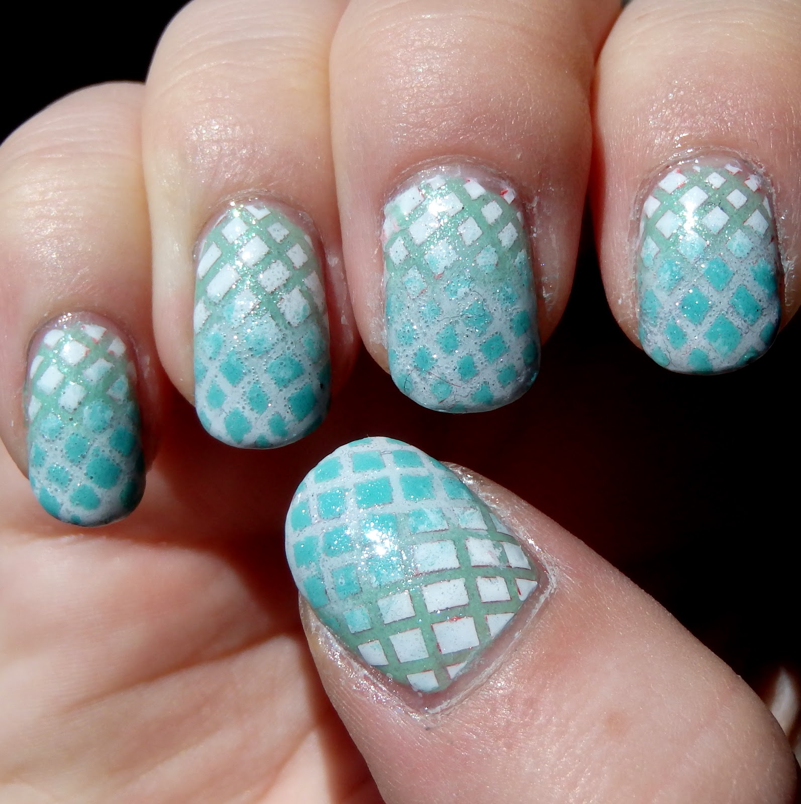 05 13 Minty Criss Cross Nails