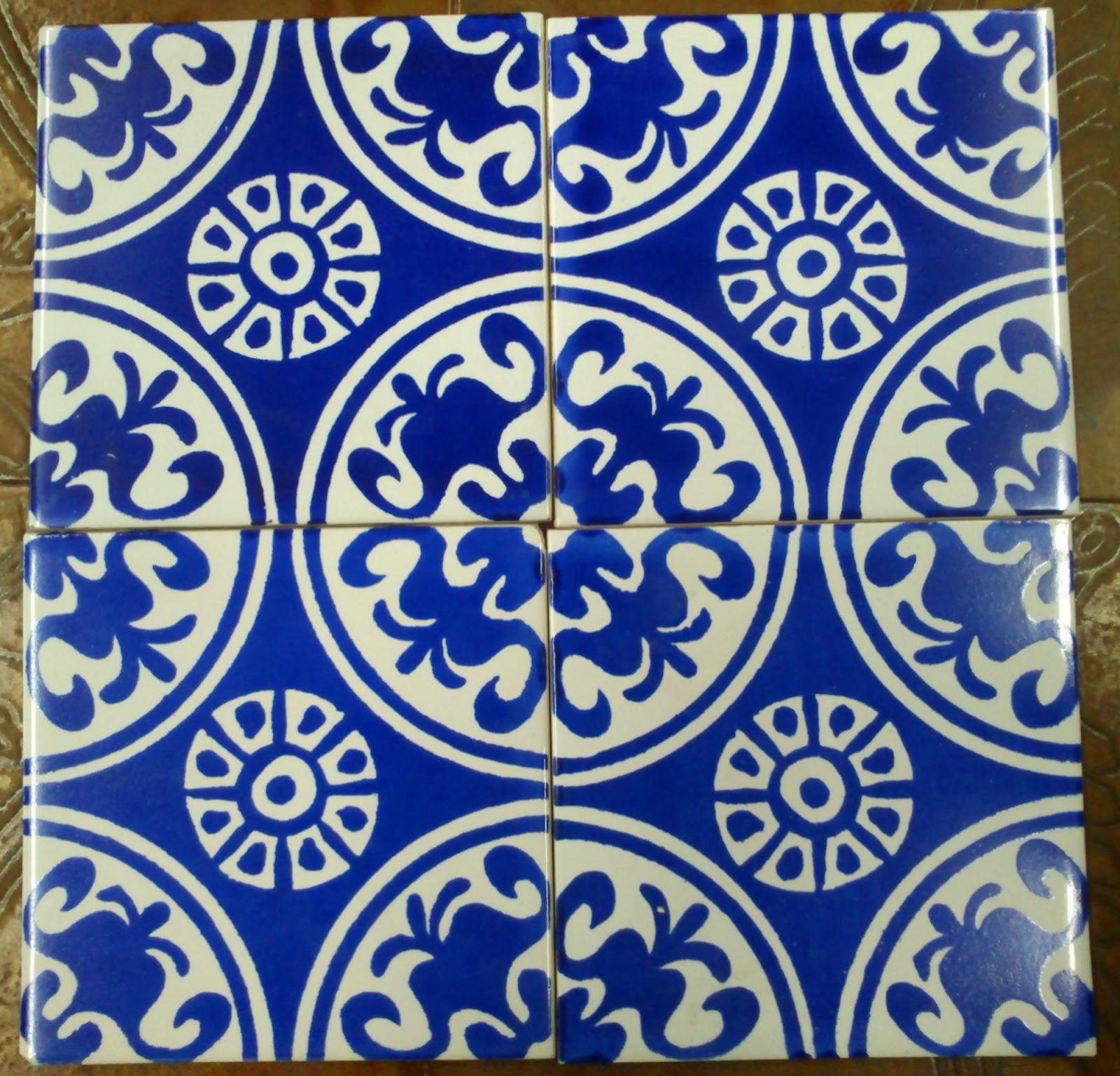 Azulejos antiguos bajo el puente for Azulejos clasicos
