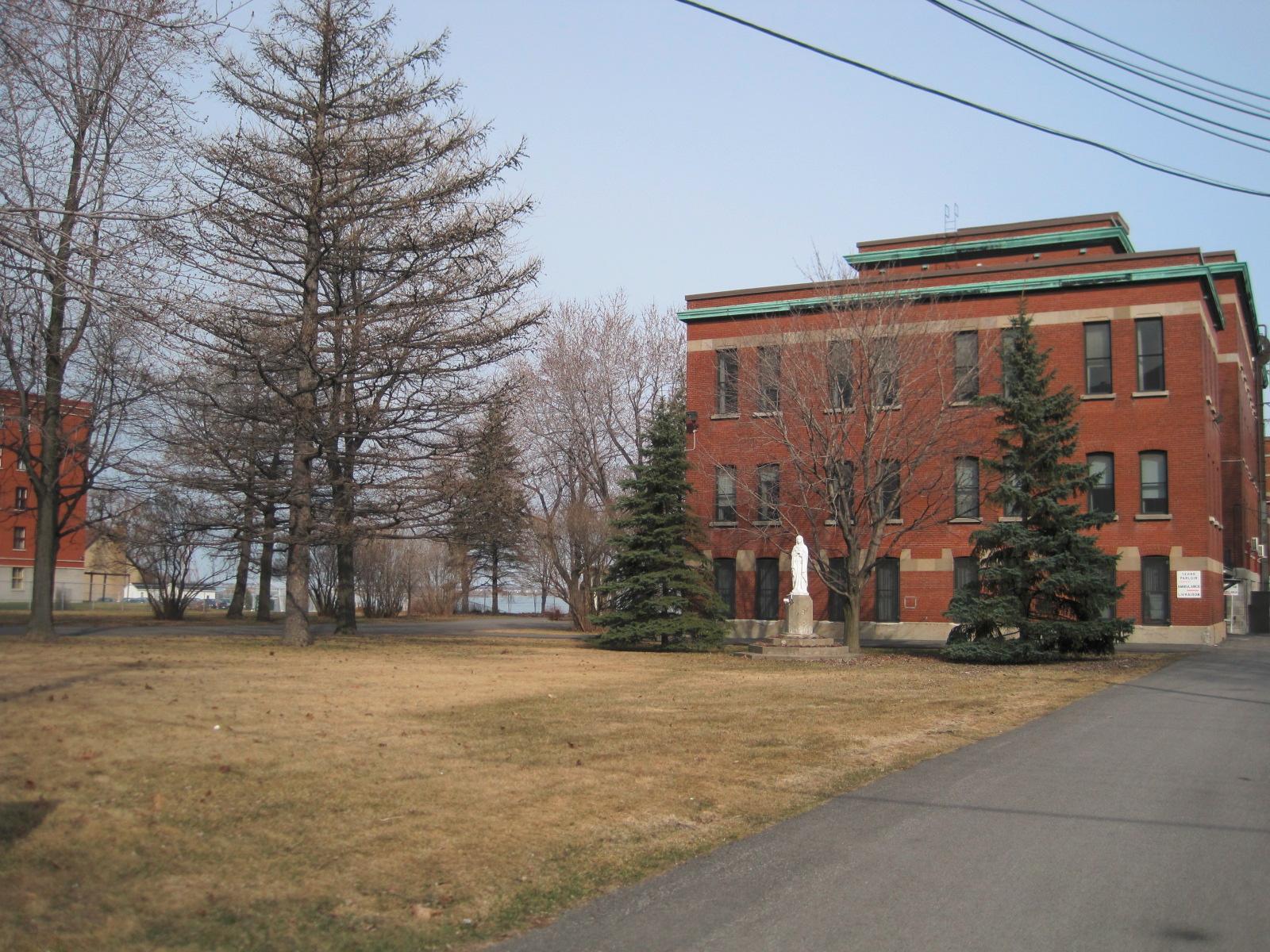 patrimoine la maison du citoyen s installe dans le couvent des sœurs de la congr 233 gation