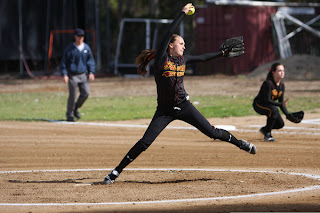 fastpitch softball pitcher