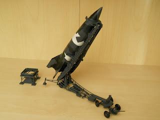 maqueta estática de misil alemán V2
