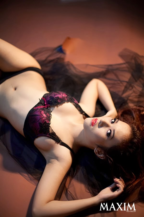 Hot Pictures Adinda Cempaka On Maxim Indonesia