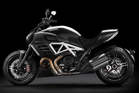 2012 ducati diavel amg special edition review motorboxer. Black Bedroom Furniture Sets. Home Design Ideas