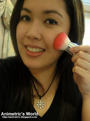 Applying Skin Food Peach Sake Silky Finish Powder