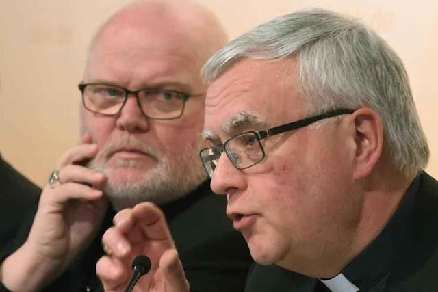 Cardeal Reinhard Marx, presidente da Conferência dos Bispos Alemães e D. Heiner Koch.