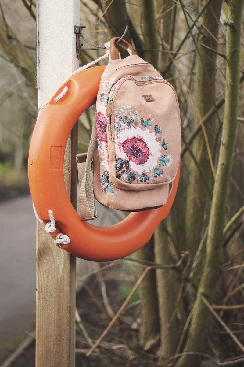 nica floral rucksack