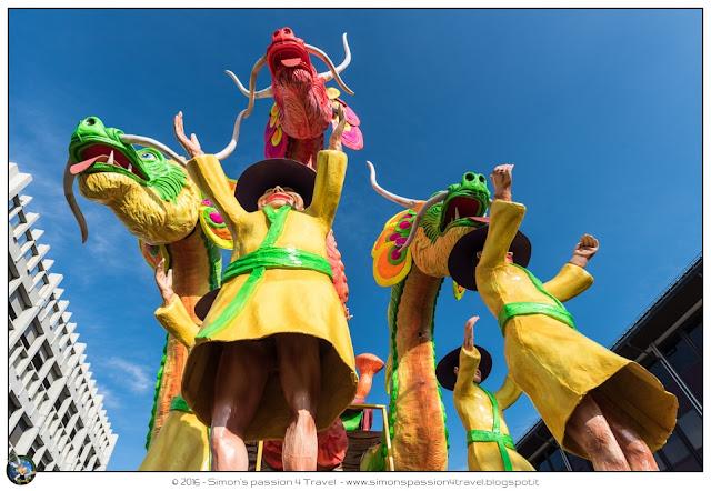 Carnevale cantù maschera carro politici