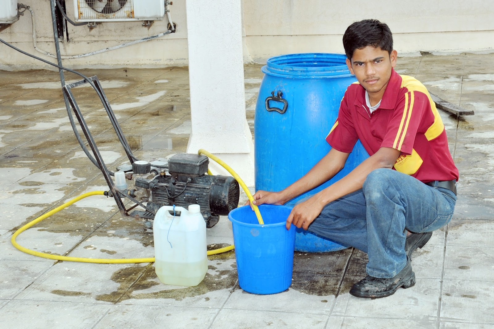 Water Cleaning Services : Water tank cleaning services pune