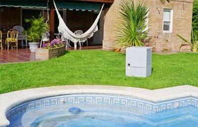 Piscinas lindas y modernas en fotos jardines con piscinas for Jardines con piscinas desmontables
