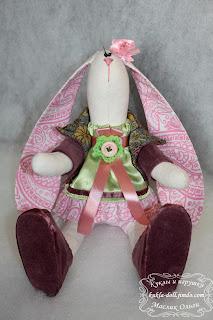 "<img src=""http://maslik-kukla.blogspot.com/2012/09/blog-post_1.html"" alt=""игрушка текстильный заяц″ />"