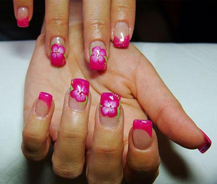 Uñas Decoradas Con Flores. Excelente Diseño De Flores