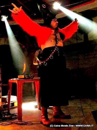 La Tosse Grassa in concerto allo zk squatt di Ostia nel 2012.