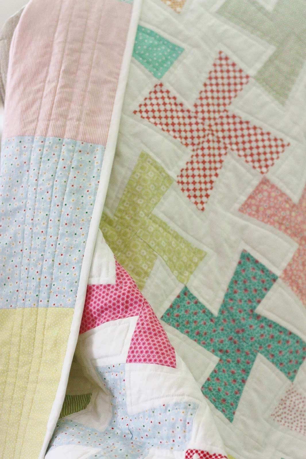 http://mysweetbamboo.blogspot.com/2014/10/zaras-quilt-finished.html