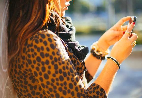 Hair tie holding bracelet