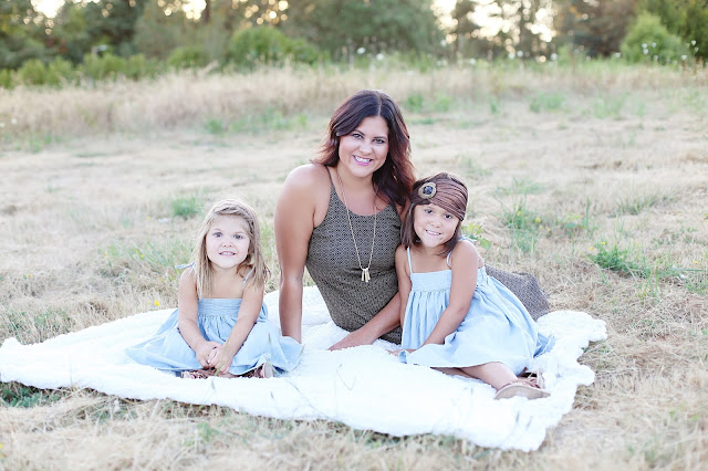 Spotted Stills, portland, oregon, portland family photographer, vancouver family photographer, natural light, sunset photos family, oregon family photographer, mother and daughter photos