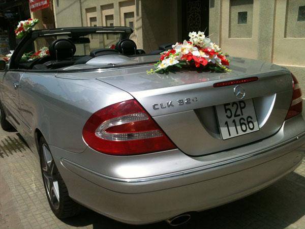 Xe Cưới Mercedes SLK 320 mà bạc